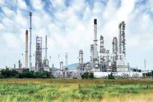 Giá dầu giảm phiên thứ 2 trước sức ép từ căng thẳng thương mại