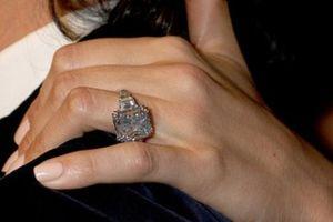 Những chiếc nhẫn kim cương đẹp, đắt giá nhất của của sao Hollywood
