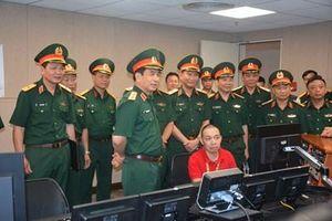 Thượng tướng Phan Văn Giang thăm, chúc mừng Trung tâm Phát thanh-Truyền hình Quân đội
