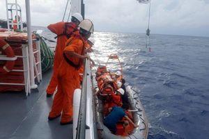Cứu sống thuyền viên bị tai biến mạch máu não trên biển