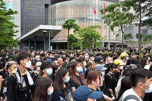 Tình hình Hồng Kông chưa dịu