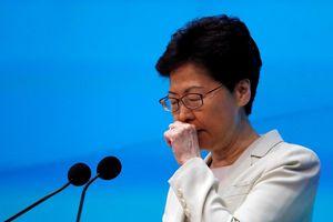 Đặc khu trưởng Hồng Kông xin lỗi, 'nhận trách nhiệm' về khủng hoảng chính trị