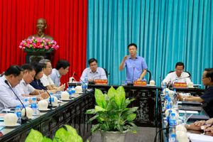 Bộ trưởng Lê Thành Long làm việc với tỉnh Bến Tre: Tăng cường quản lý, giám sát hoạt động các nghề tư pháp xã hội hóa