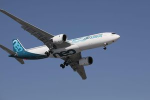 Thắng thế trước Boeing, Airbus giành được đơn hàng máy bay 13 tỷ USD