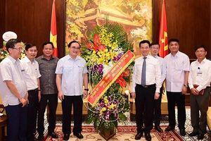 Bí thư Thành ủy Hà Nội đề nghị các nhà báo đồng hành với Thủ đô