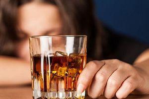 Tại sao bạn bị say khi uống rượu?