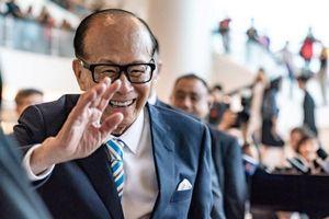 Tỷ phú giàu nhất Hong Kong quyên góp 14 triệu đô học phí cho sinh viên