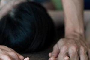 Thiếu nữ bị thanh niên 19 tuổi khống chế hiếp dâm tại nhà