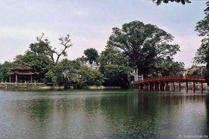 Lặng ngắm vẻ đẹp mộc của đền Ngọc Sơn năm 1991