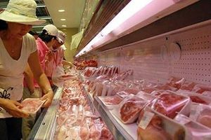 Người dân Hà Nội tìm mua thịt lợn 'sạch'