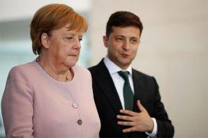 Nữ Thủ tướng Đức run rẩy khác thường, rộ đồn đoán về sức khỏe