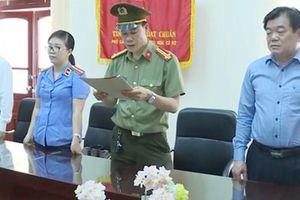 Cách tất cả chức vụ trong Đảng của Giám đốc Sở Giáo dục và Đào tạo Sơn La