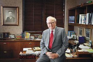 Tỷ phú Warren Buffett: 'Trước đám đông, tôi từng sợ hãi đến mức không thể nói tên mình'