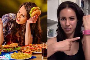 Cách giảm cân của người gan dạ: Chiếc vòng tay khiến bạn bị điện giật mỗi khi ăn nhiều