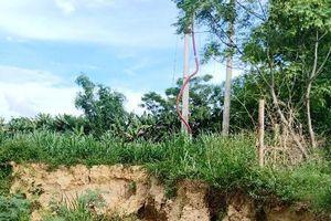 Hà Tĩnh: Dán mác mỏ để khai thác cát bằng 'vòi rồng'