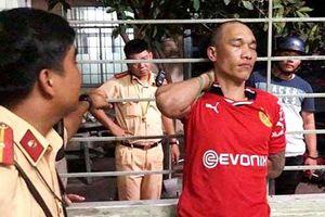 Sinh viên trường cảnh sát khống chế tên cướp taxi trên đường đi thực tập