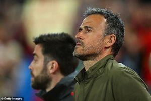 HLV Luis Enrique từ chức HLV trưởng đội tuyển Tây Ban Nha