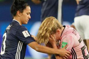 Ghi 3 bàn trong 20 phút, cầu thủ nữ Argentina khóc vì hòa Scotland