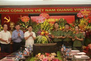 Phó Chủ tịch UBND TP Ngô Văn Quý chúc mừng các cơ quan báo chí
