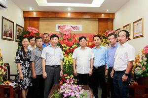 Phó Chủ tịch UBND TP Ngô Văn Quý chúc mừng báo Kinh tế & Đô thị