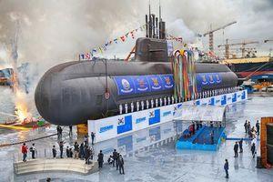 Cận cảnh tàu ngầm tấn công mới nhất Hàn Quốc đang thử nghiệm