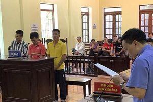 Tát nữ nhân viên sân bay, nhóm đối tượng nhận 92 tháng tù