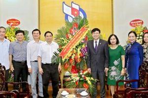 Đồng chí Phạm Minh Chính chúc mừng Hội Nhà báo Việt Nam nhân ngày 21/6