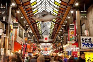 Đi Nhật đến chợ Kuromon để lạc vào thiên đường nguyên liệu ẩm thực