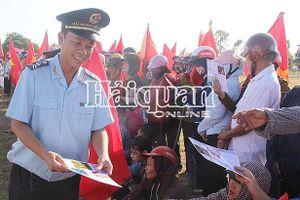 Hải quan Hà Tĩnh cảnh báo tác hại của ma túy với người dân Nghi Xuân