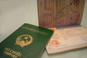 Phạt 30 triệu đồng người đàn ông mượn chứng minh nhân dân người khác đi làm hộ chiếu