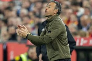 Luis Enrique bỏ ghế HLV trưởng tuyển Tây Ban Nha