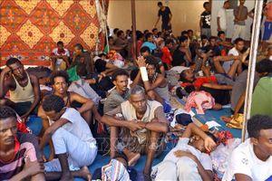 Italy kiên quyết cấm tàu cứu người di cư đi vào lãnh hải