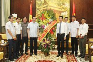 Bí thư Thành ủy Hà Nội Hoàng Trung Hải ghi nhận những đóng góp tích cực của Bộ TT&TT