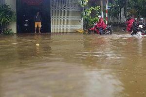 Kon Tum: Mưa lớn tại huyện Ngọc Hồi gây ngập đường