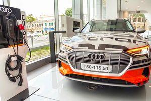 Audi Việt Nam trưng bày mẫu xe chạy hoàn toàn bằng điện