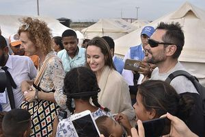 Angelina Jolie trở thành biên tập viên tạp chí Time nổi tiếng