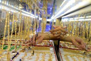 Giá vàng tiếp tục tăng, vượt mốc 39 triệu đồng/lượng