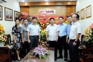 Kỷ niệm 94 năm Ngày Báo chí cách mạng Việt Nam: Những lẵng hoa tươi thắm gửi tới báo Kinh tế & Đô thị