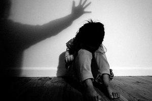 Thái Bình: Điều tra vụ bé gái 15 tuổi tố bị chủ quầy thuốc xâm hại tình dục khi đang truyền nước