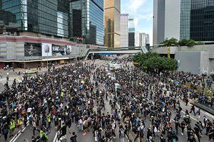 Hàng ngàn người tiếp tục biểu tình tại Hồng Kông