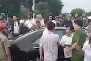 Vụ Giang 36 vây xe công an: Tạm đình chỉ công tác hai cán bộ cảnh sát