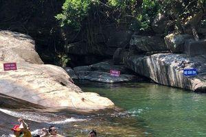Thừa Thiên - Huế: Bé gái 13 tuổi tử vong vì đuối nước tại thác trượt