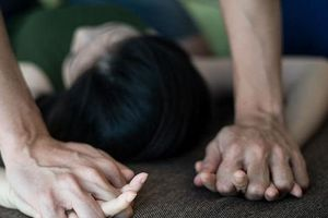 Khởi tố bắt tạm giam Bí thư Đoàn dâm ô bé gái 11 tuổi tại trụ sở ủy ban phường