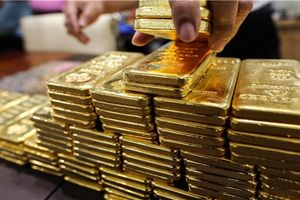 Giá vàng tăng phi mã lên mức cao nhất 6 năm