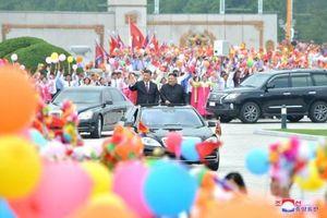 Biển người chào đón Chủ tịch Tập Cận Bình tại Triều Tiên