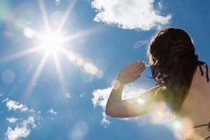 Mẹo phòng chống đột quỵ, say nắng trong ngày oi nóng