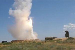 S-300 đồng loạt diệt tên lửa hành trình trong tình hình nóng