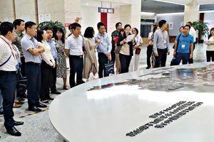 Thanh niên Việt - Trung thảo luận về hướng nghiệp và khởi nghiệp