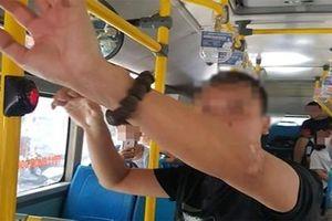 Hà Nội: Tạm giữ người đàn ông thủ dâm, nghi sàm sỡ nữ sinh trên xe buýt