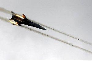 Không quân Syria phá hủy căn cứ của phiến quân ở Aleppo